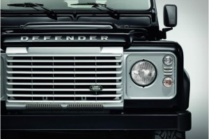 land-rover-defender-black-silver-pack-8