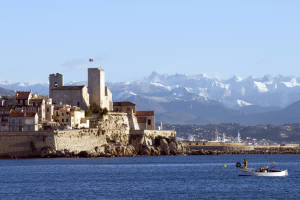 World___France_Castle_on_a_background_of_mountains_in_the_resort_of_Antibes__France_071610_